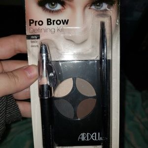 Brand New ARDELL professional brow kit